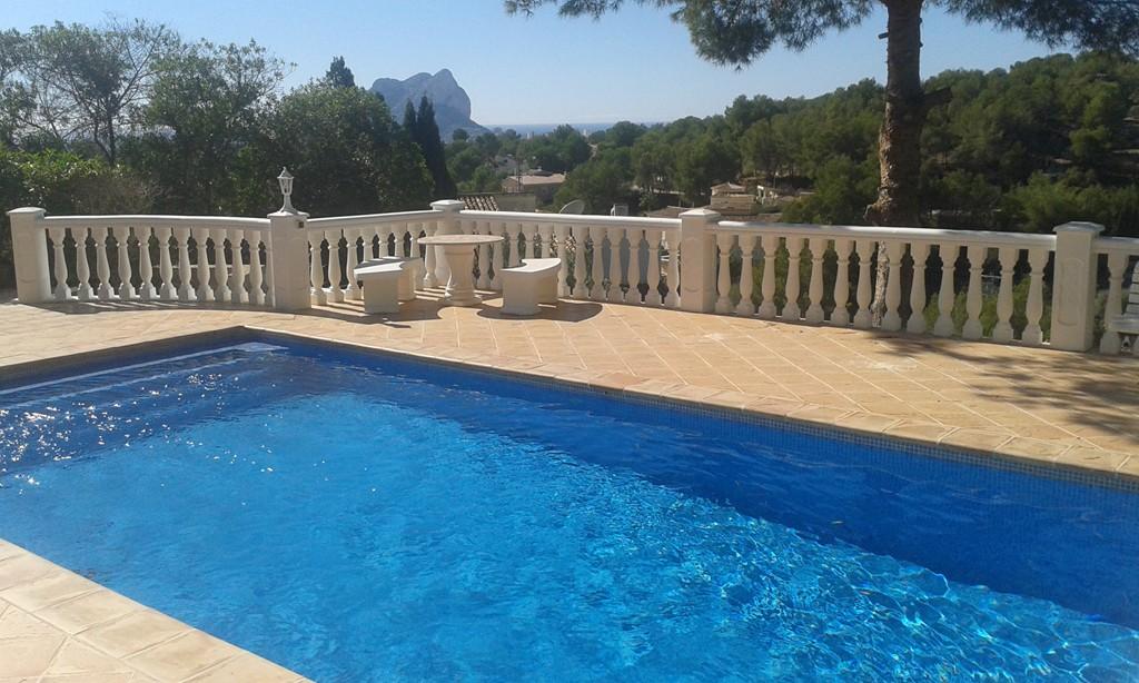 Villa benissa consulter for Piscine bois 9x4